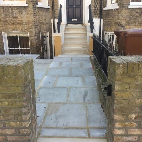 DESIGN & BUILD - STONE STEPS
